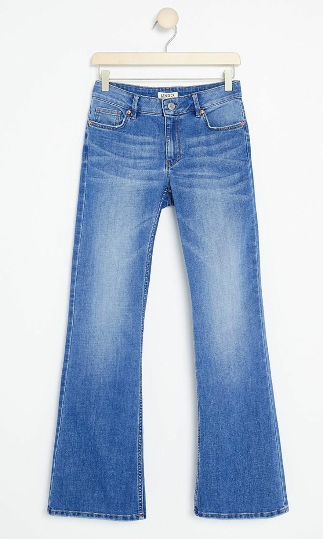 Jeans i bootcut-modell till våren 2019