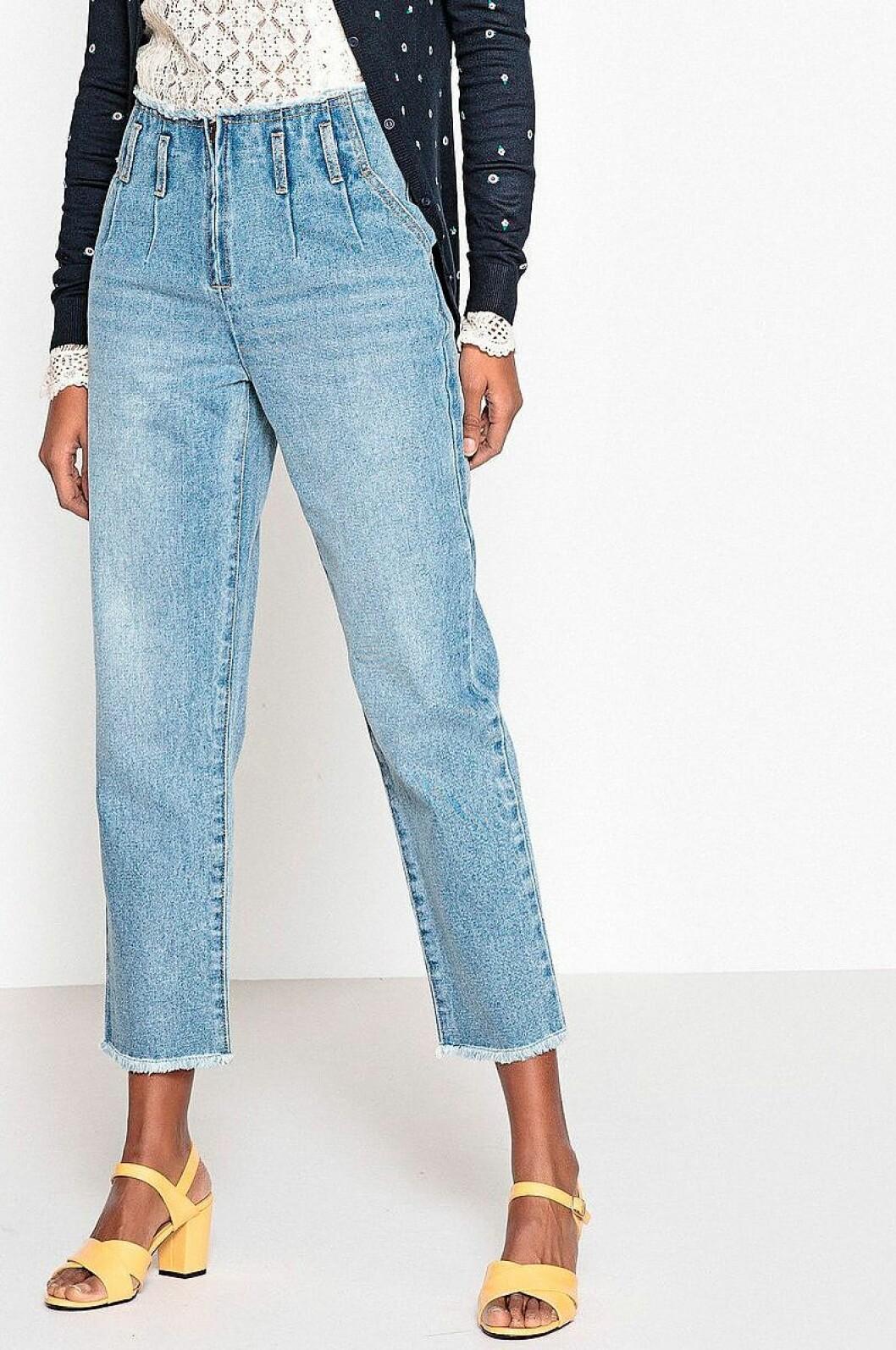 Ljusa jeans med hög midja