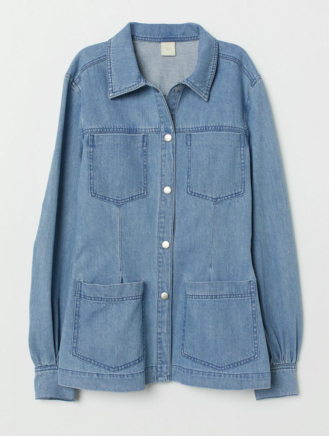 Ljus jeansskjorta till våren 2019