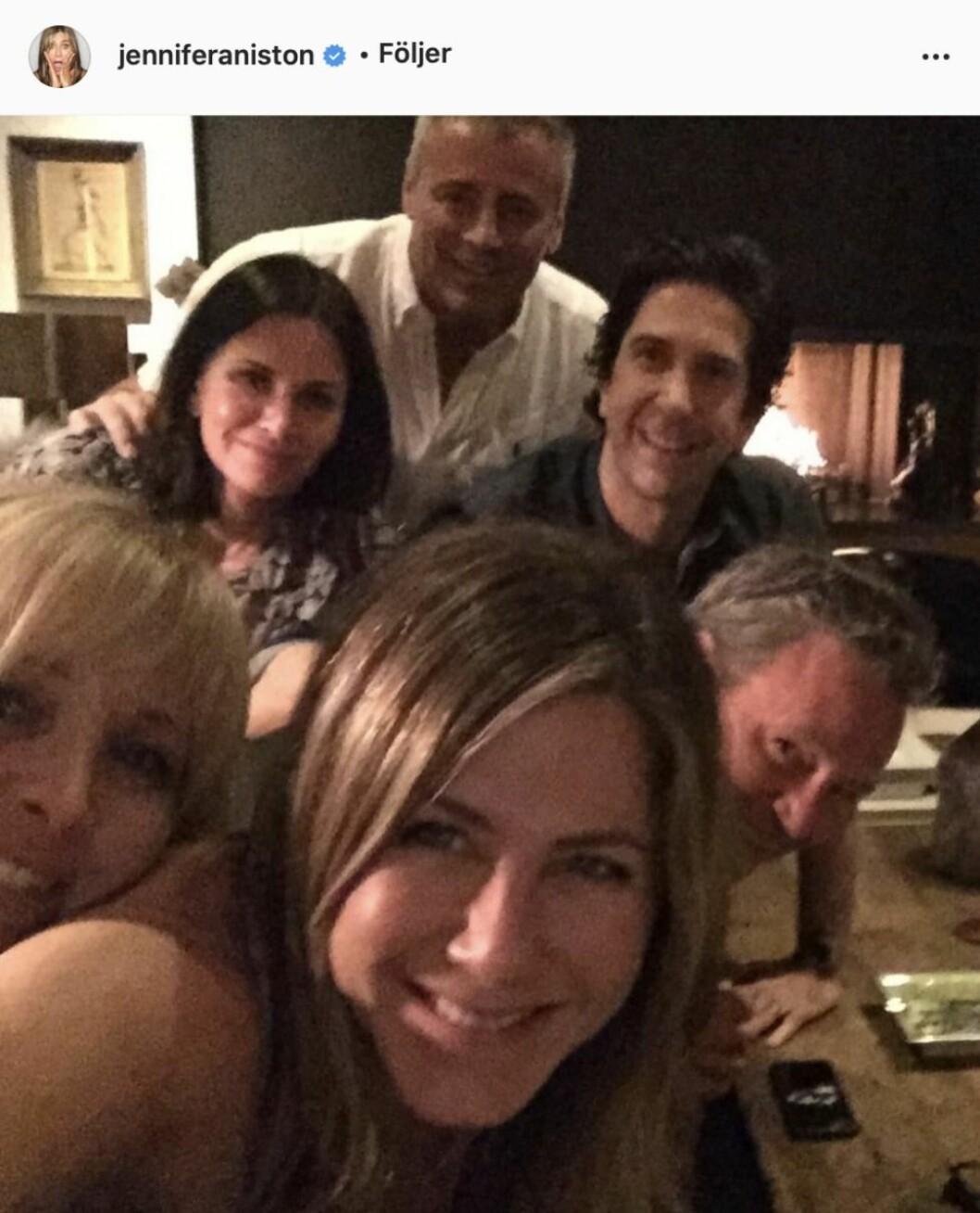 smal skådespelare från Vänner i en selfie