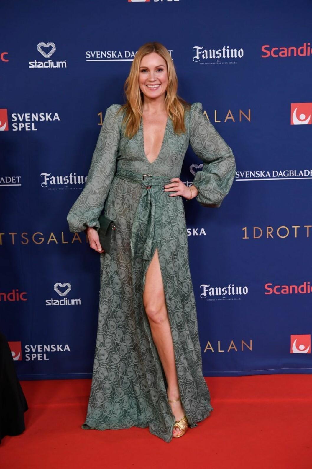 Jessica Almenäs på röda mattan på Idrottsgalan 2020