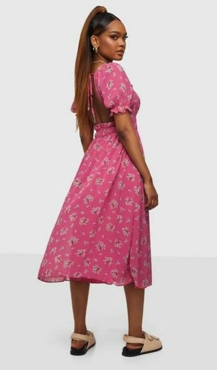 klänning från Glamorous