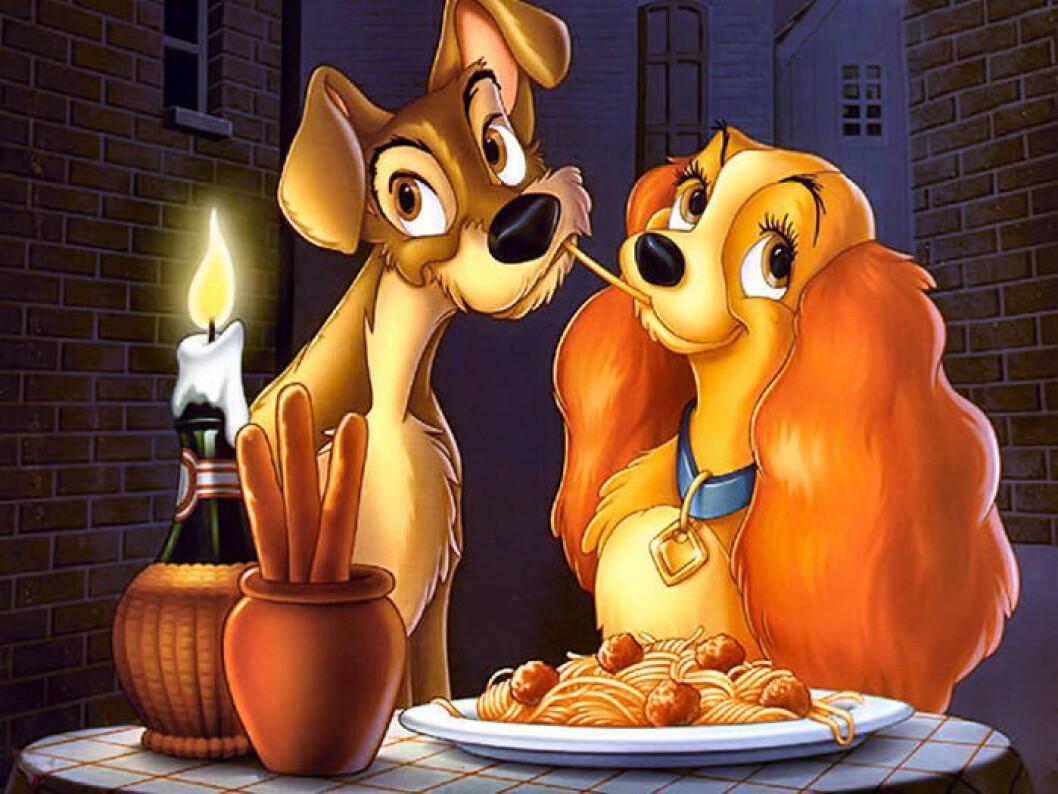 Lady och Lufsen äter pasta