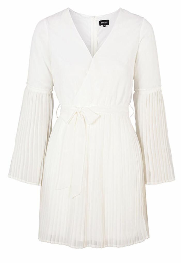 långärmad studentklänning vit 2021