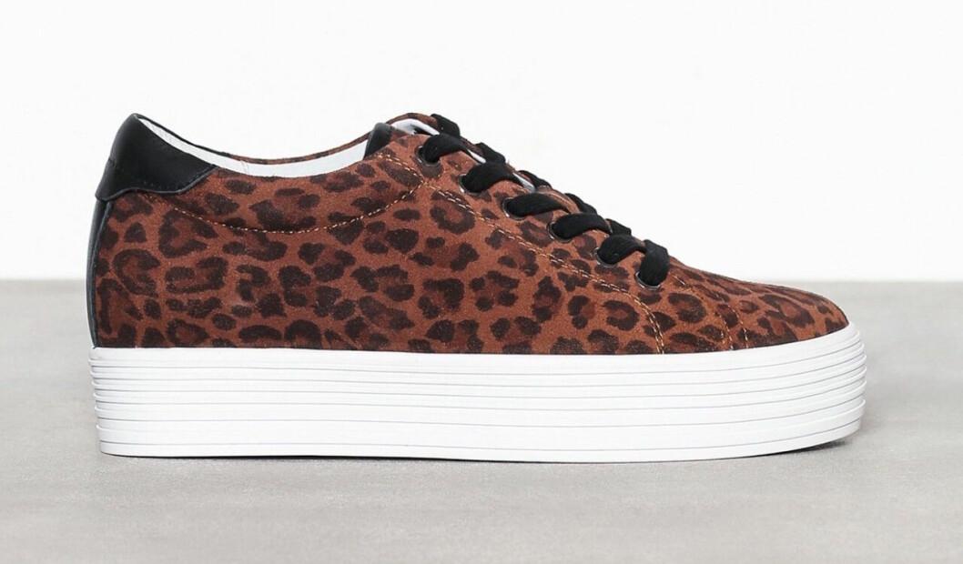 Leopardmönstrade sneakers för dam till våren 2019