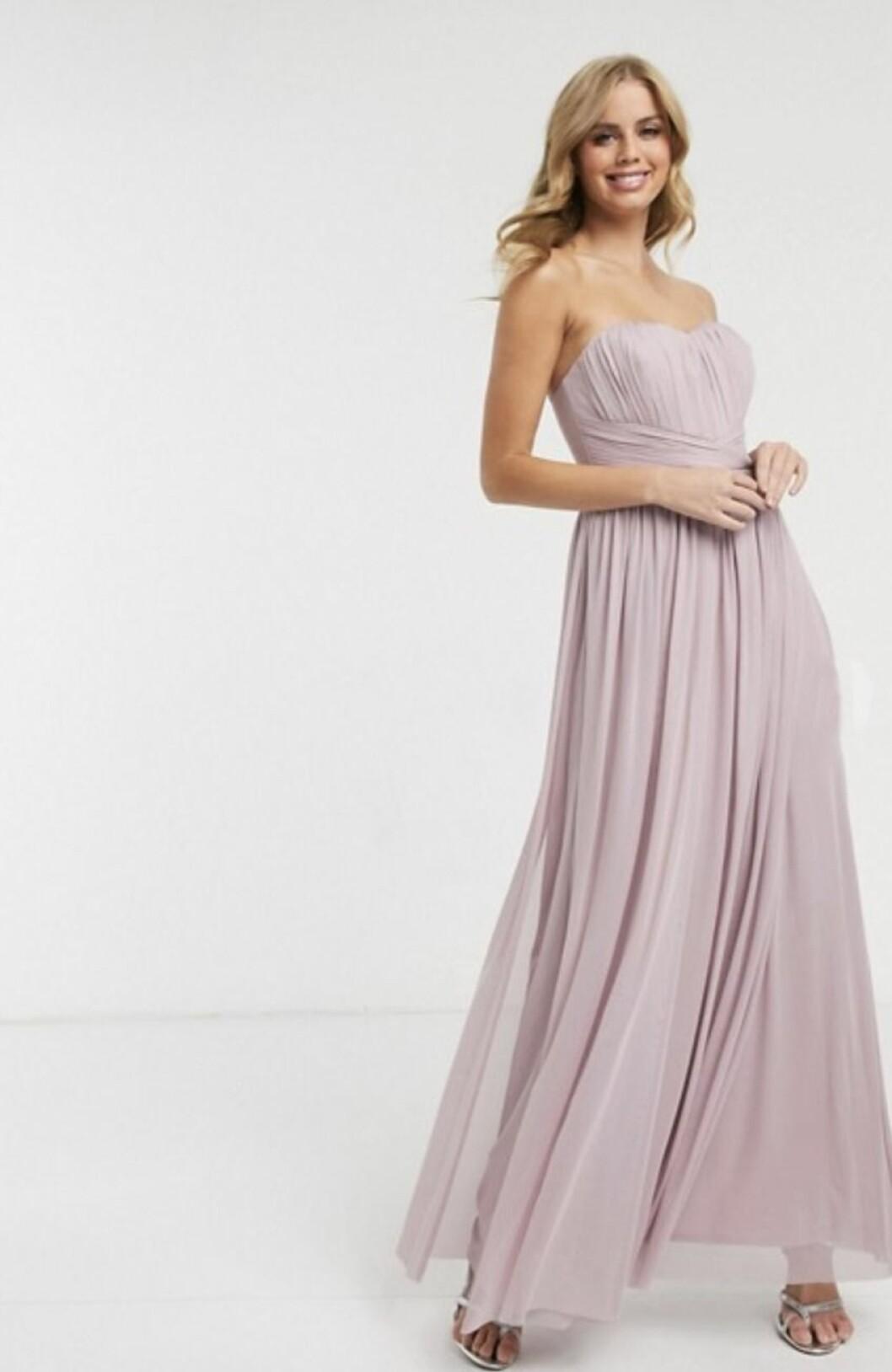 Lila ärmlös klänning till brudtärnan för 2020