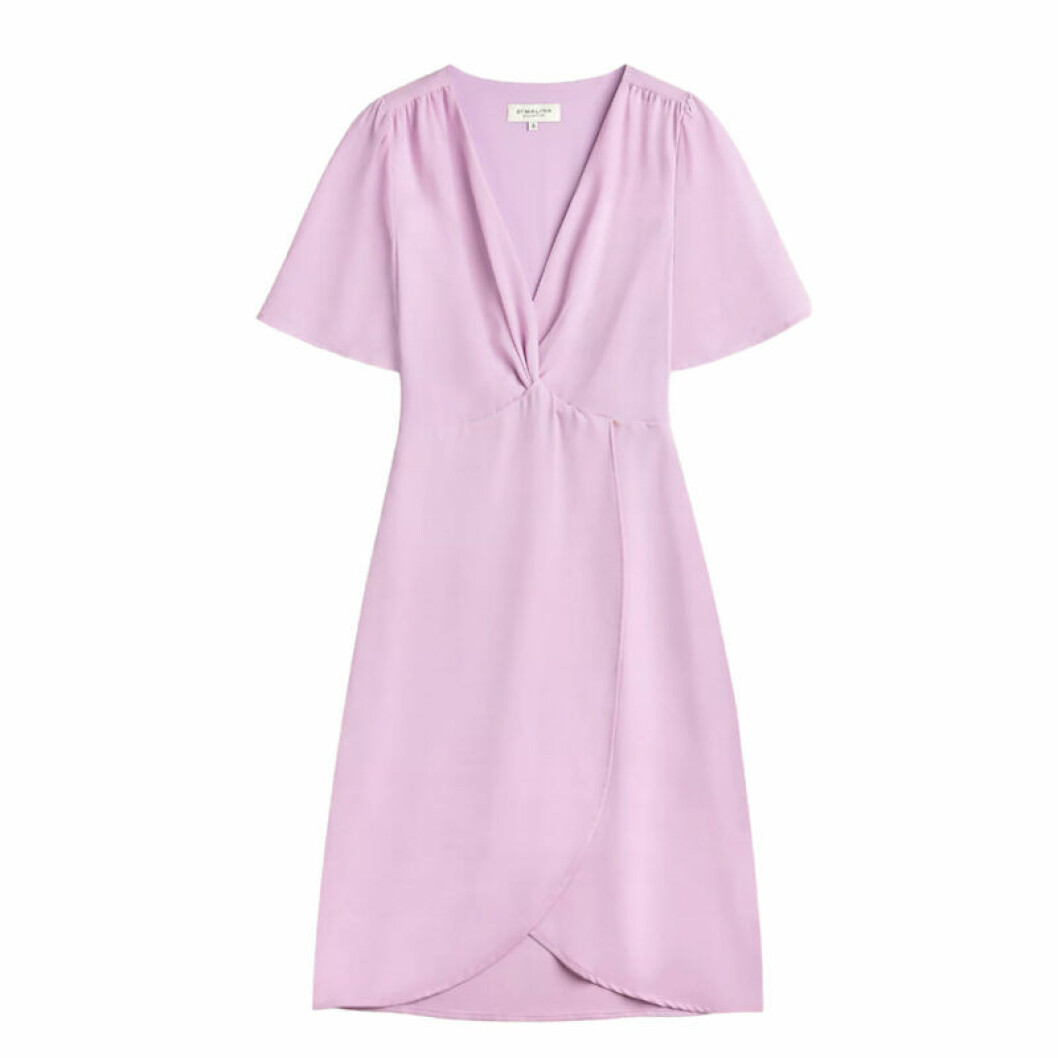 Lila coctail-klänning