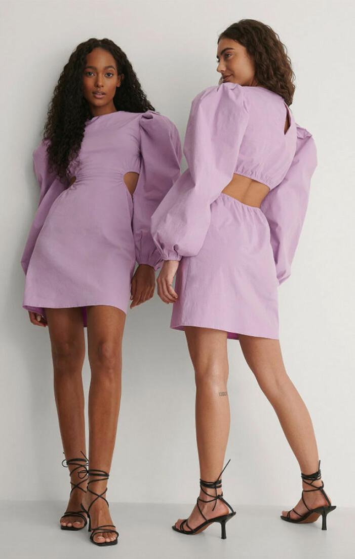 lila klänning med cutout från nakd