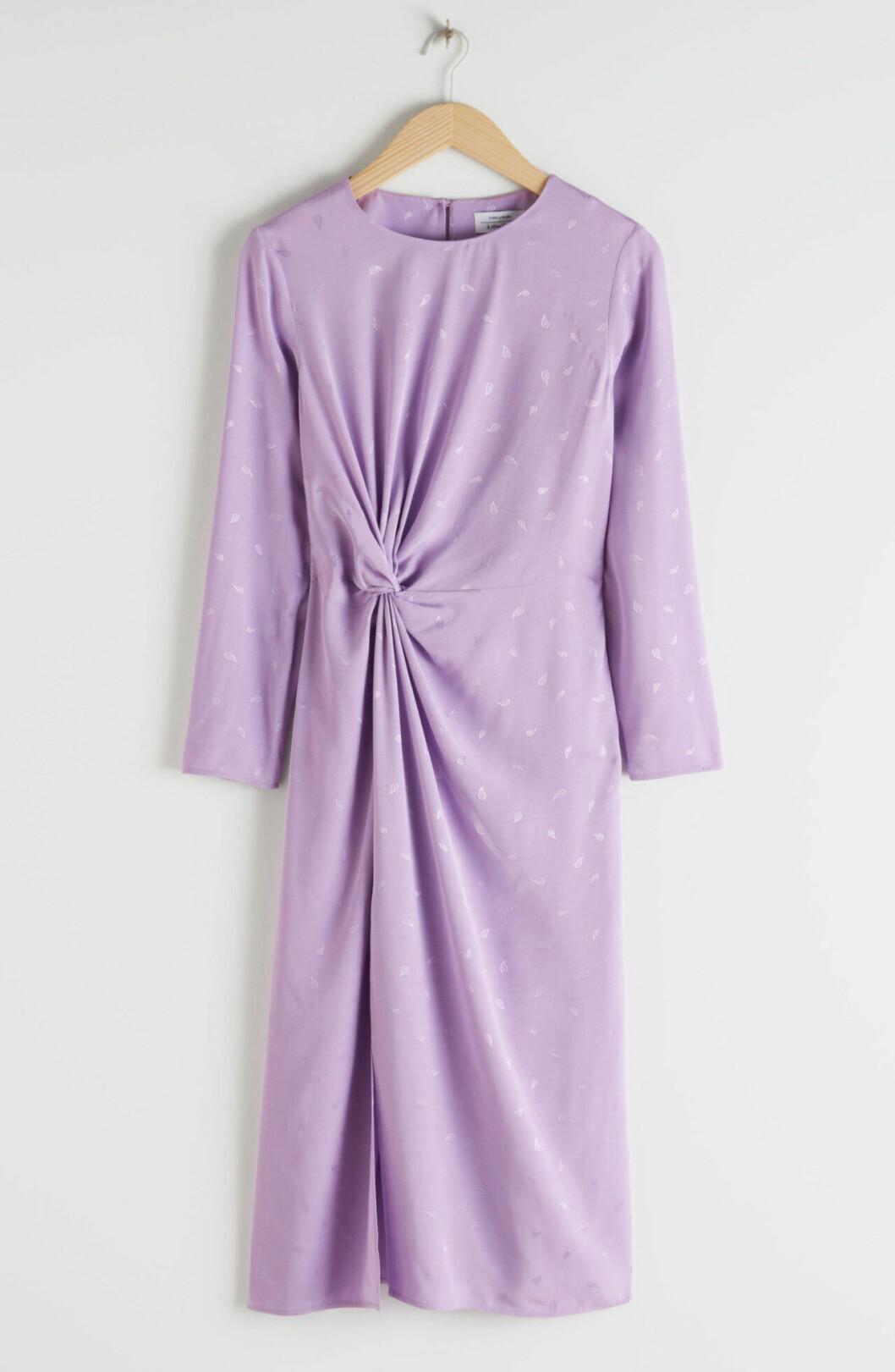 Lila klänning för dam till bröllopet 2020