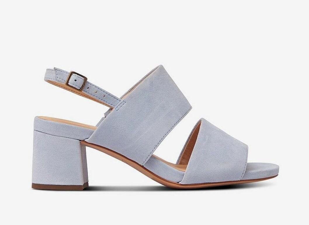 Lila sandaletter med breda remmar för dam till 2020