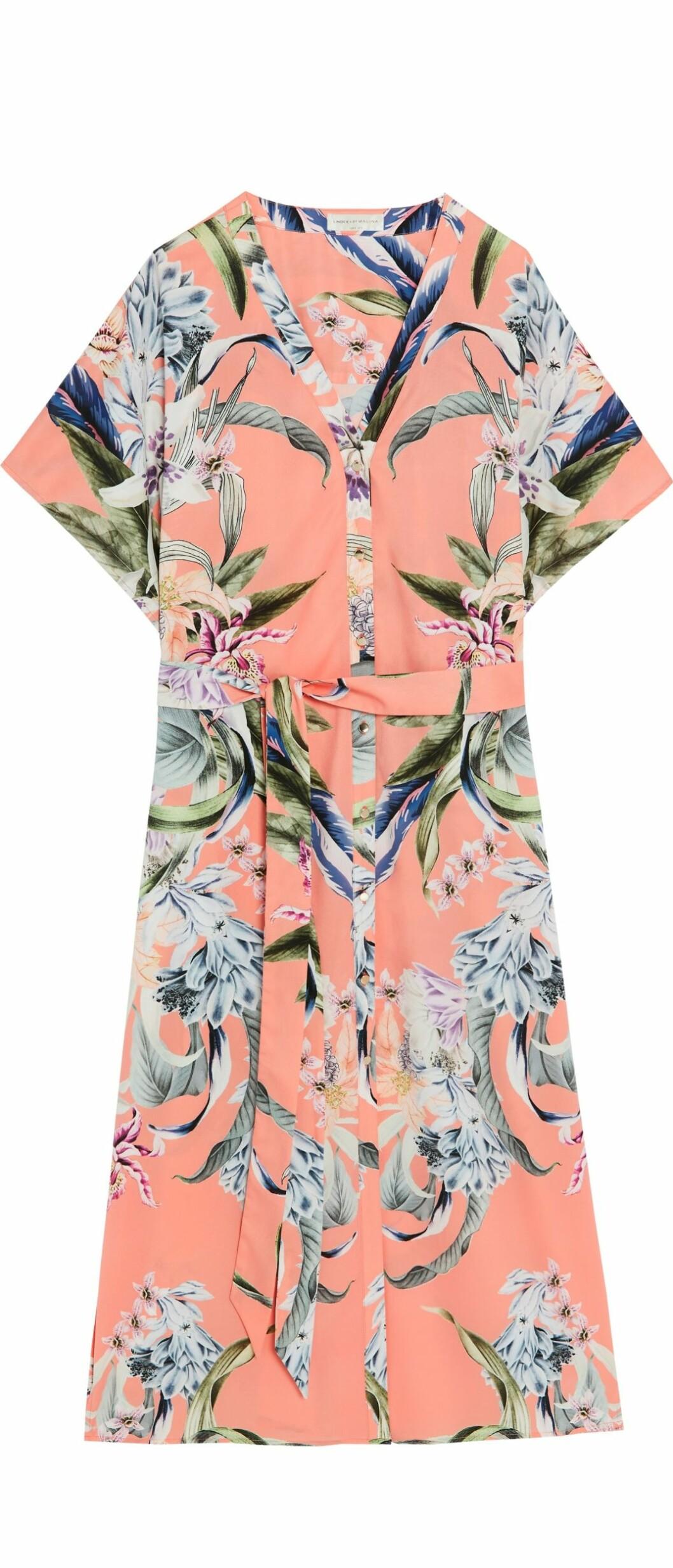Lindex och By Malinas sommarkollektion – korallfärgad skjortklänning