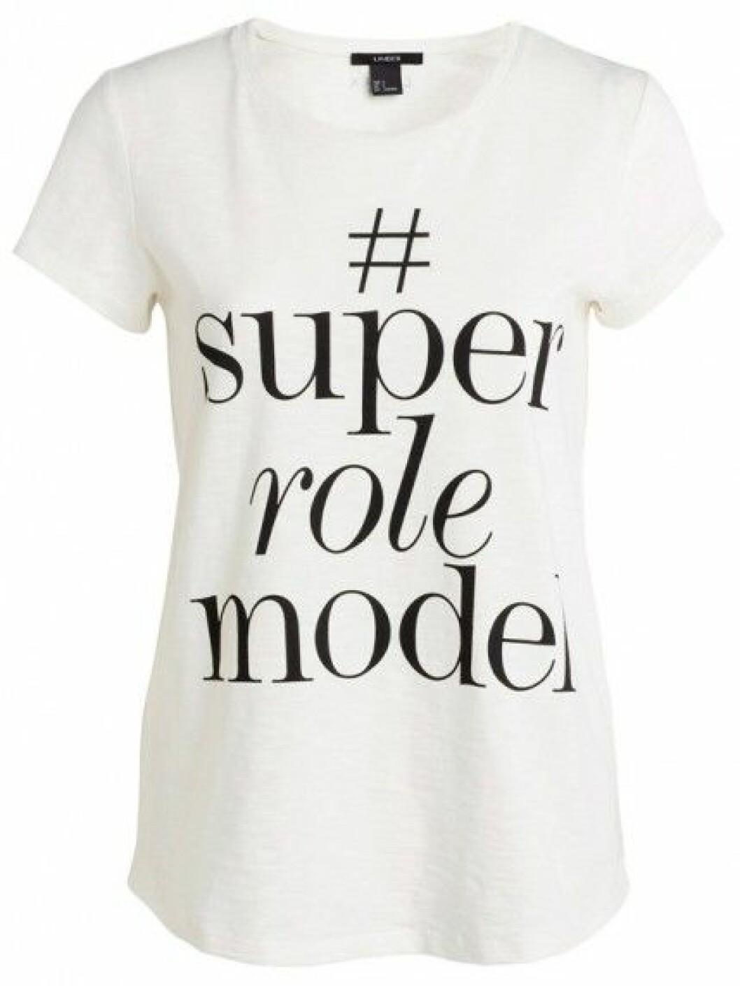 T-shirt med trycket #superrolemodel, 149 kr.