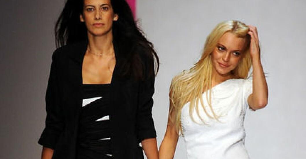 Lindsay Lohan med Ungaros designer Estrella Archs.