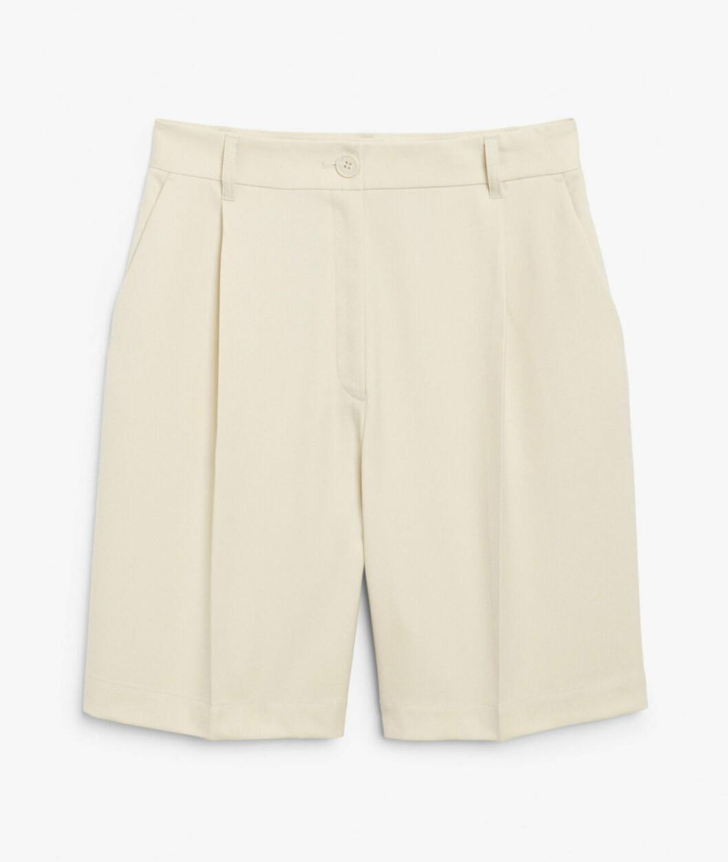 Ljusa dressade shorts för dam till 2020