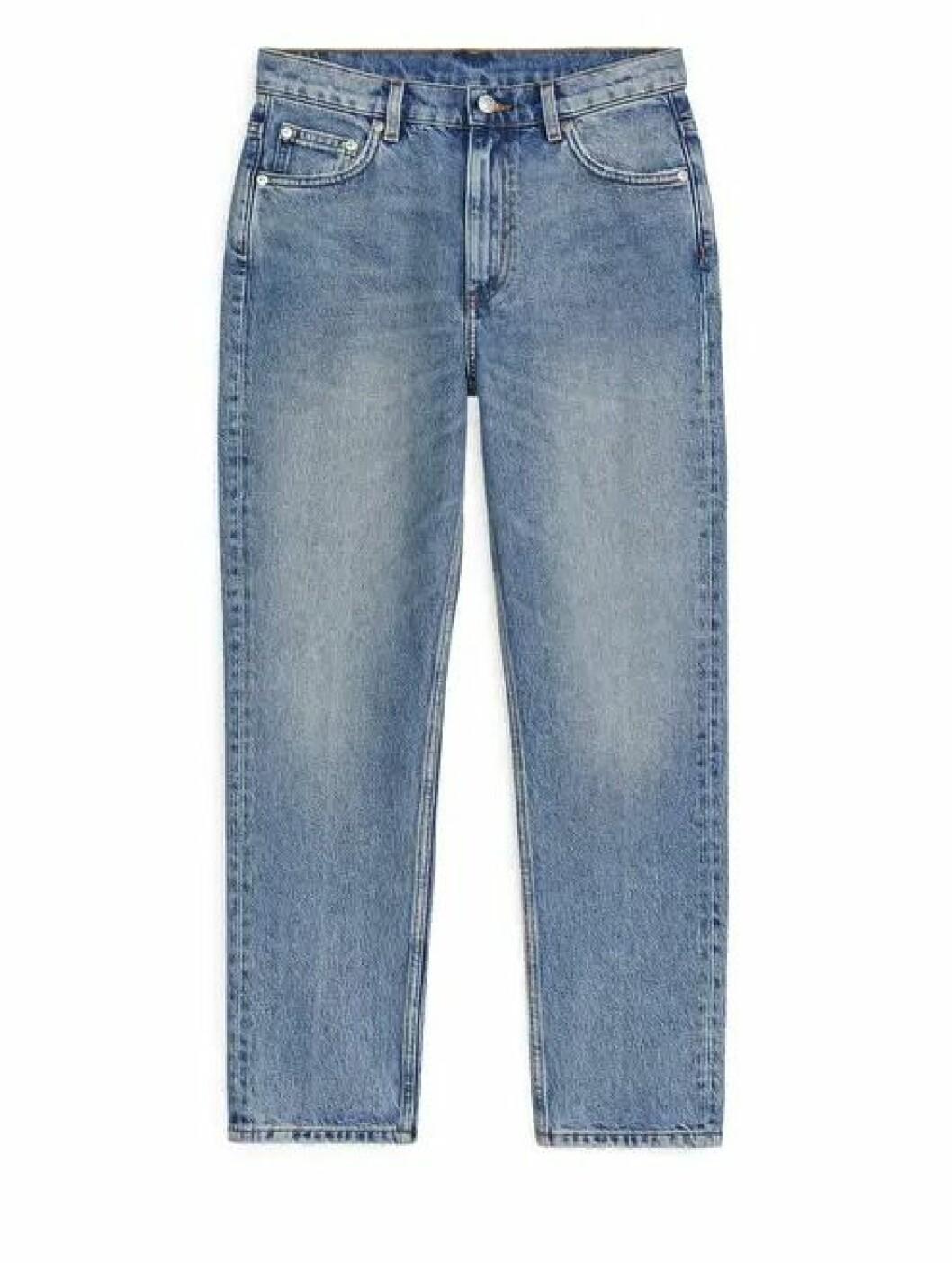 Ljusa jeans i rak modell för dam till våren 2020