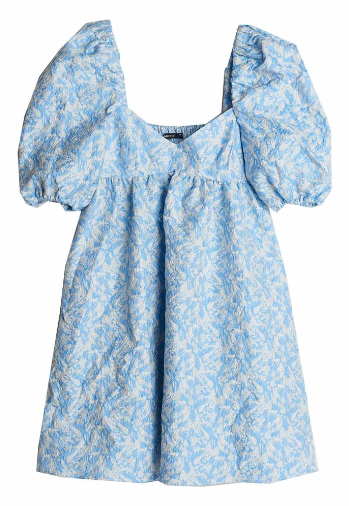 ljusblå kort klänning från gina tricot