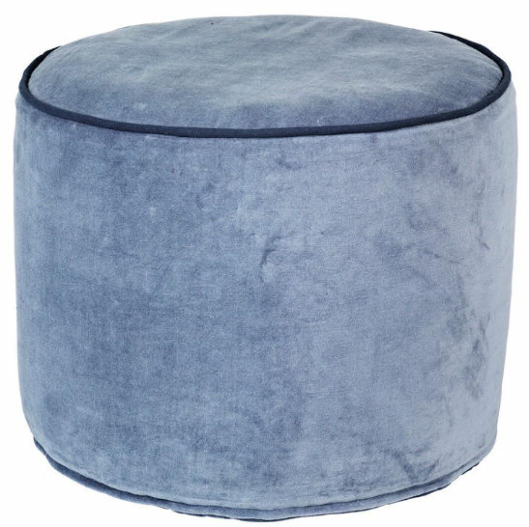 ljusblå sammetspuff