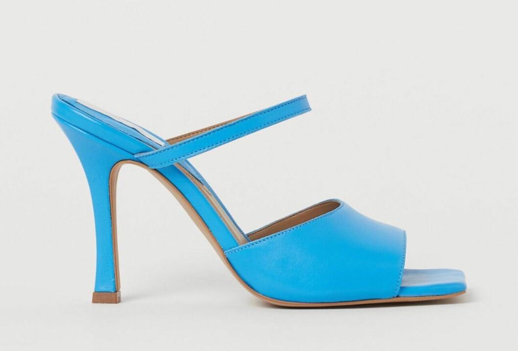 Ljusblå sandaletter för dam till sommaren 2020