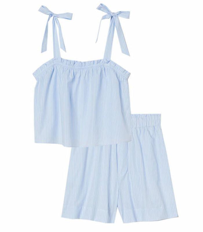 ljusblått set med linne och shorts