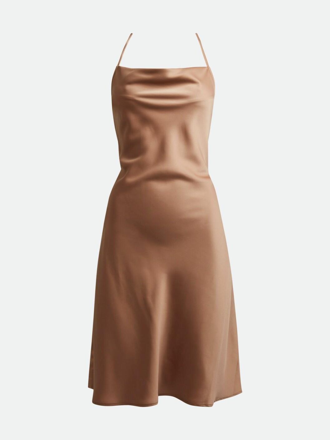 Ljusbrun slipklänning med tunna band för dam till 2020