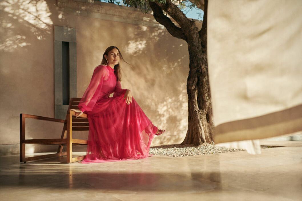 Maja Nilsson Lindelöf x Gina tricot – rosa klänning