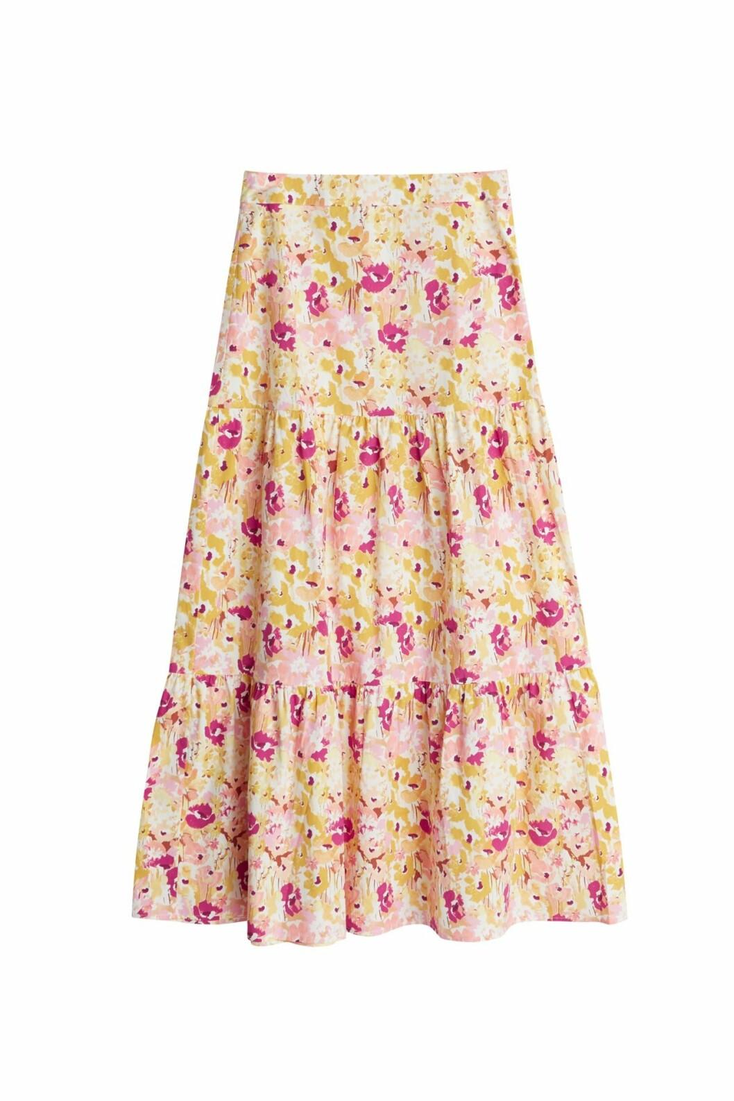 Maja Nilsson Lindelöf släpper kollektion med Gina tricot –blommig kjol