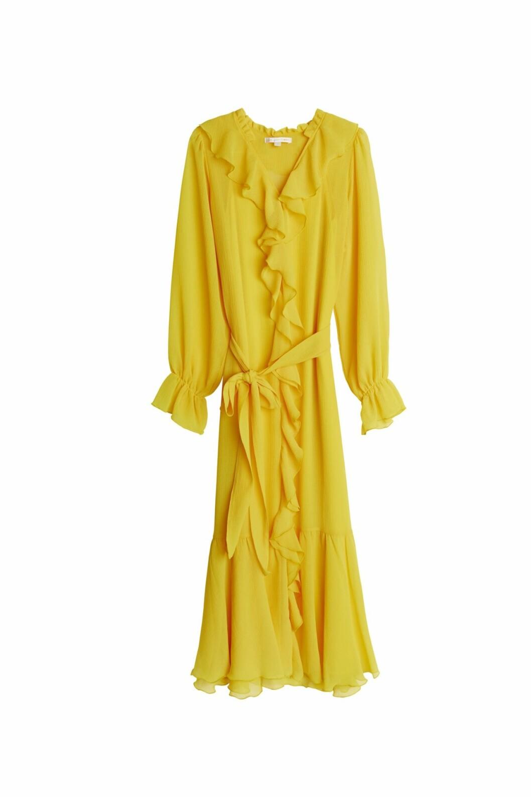 Maja Nilsson Lindelöf släpper kollektion med Gina tricot –gul maxiklänning