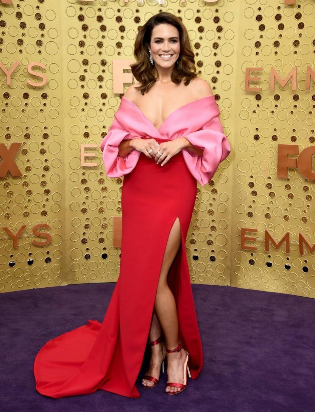 Mandy Moore på röda mattan på Emmy Awards 2019