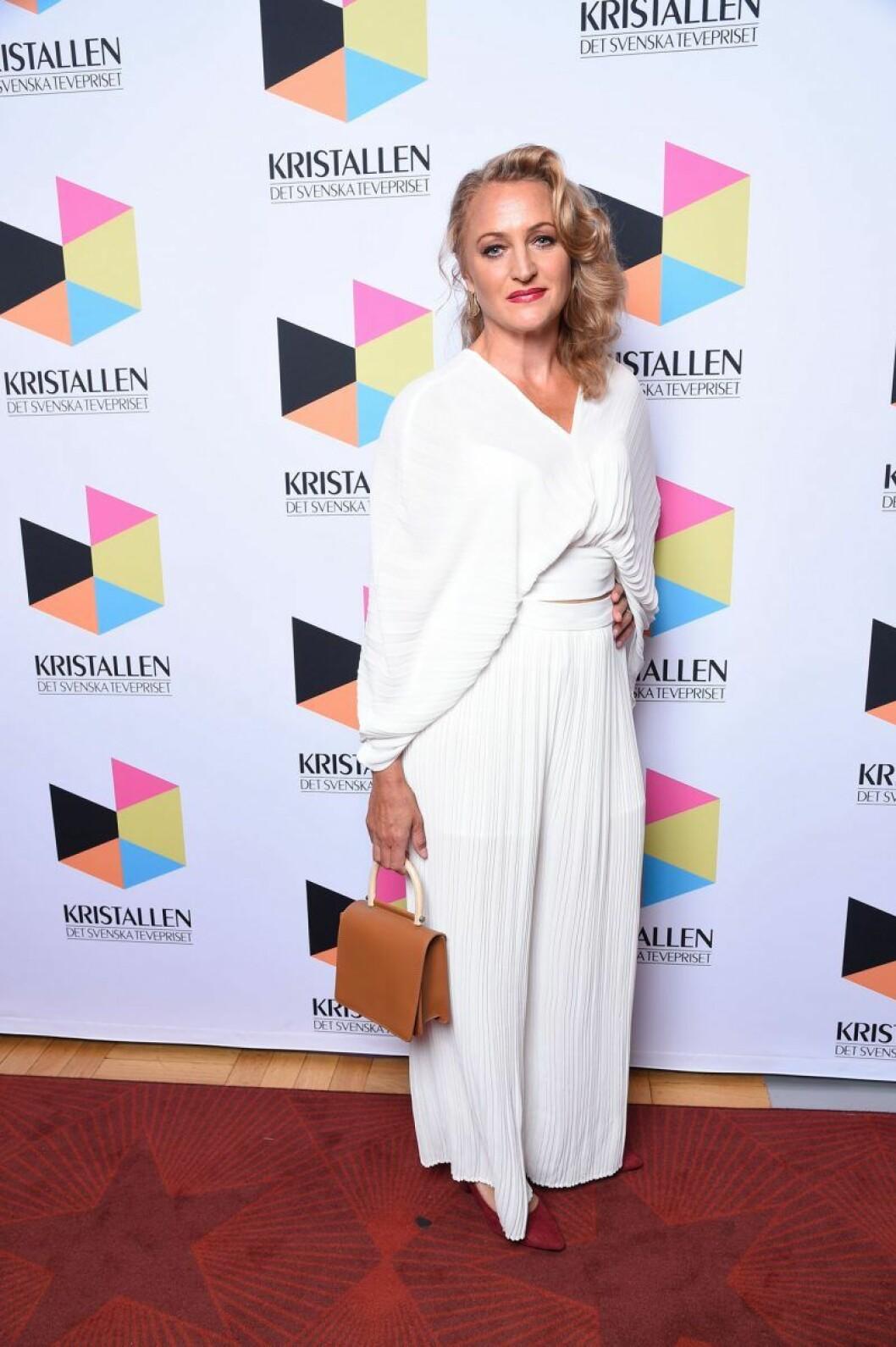 Maria Sundbom Lörelius på röda mattan på Kristallen 2020