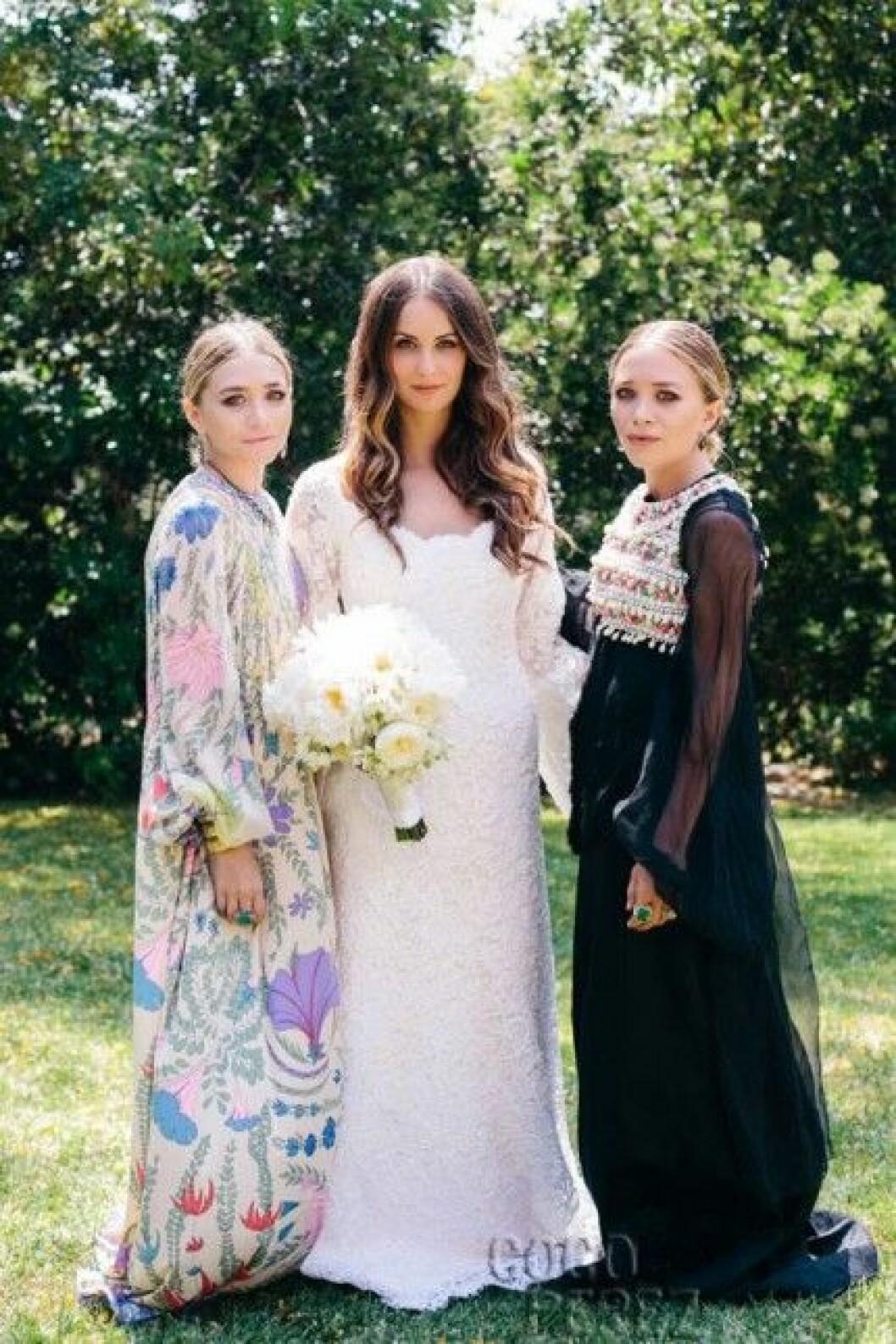 Mary-Kate och Ashley Olsen med bruden Molly Fishkin.