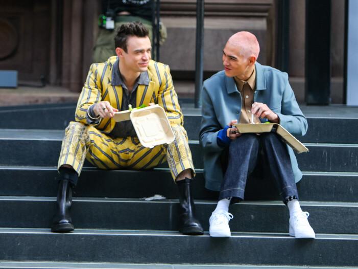 Thomas Doherty och Evan Mock spelar Max och Aki i nya Gossip Girl