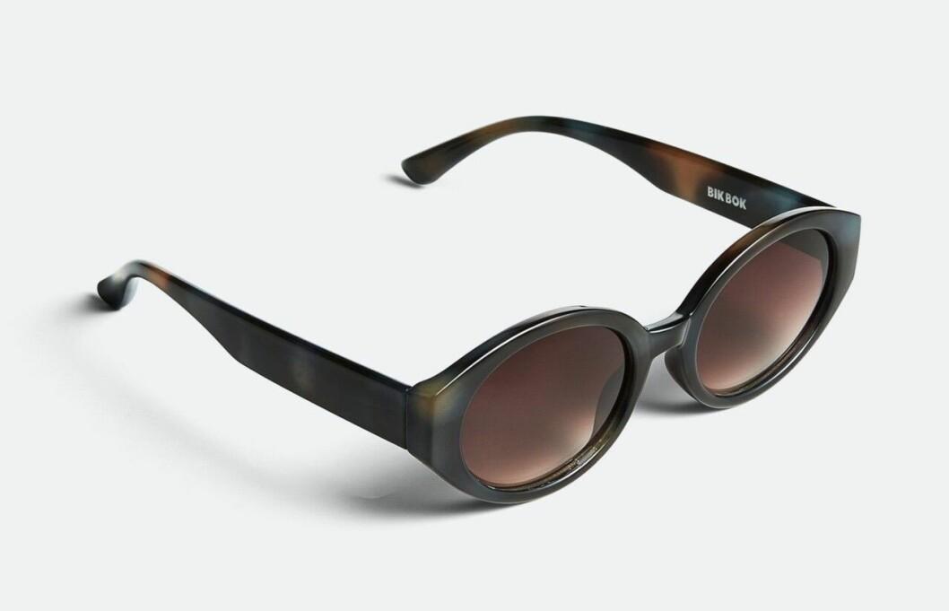 Billiga solglasögon i oval modell