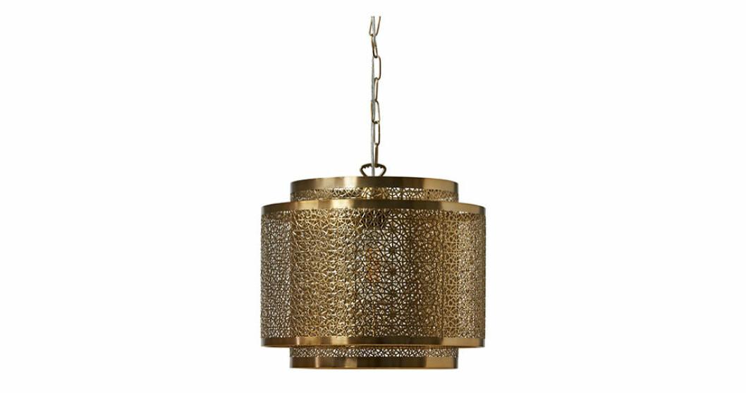massingfargad lampa