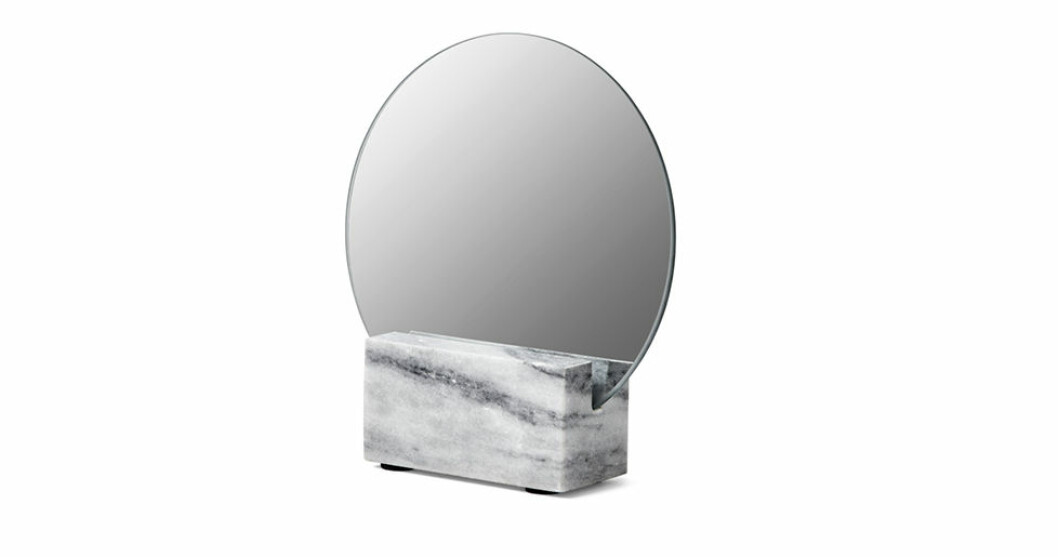 Spegel med marmorfot