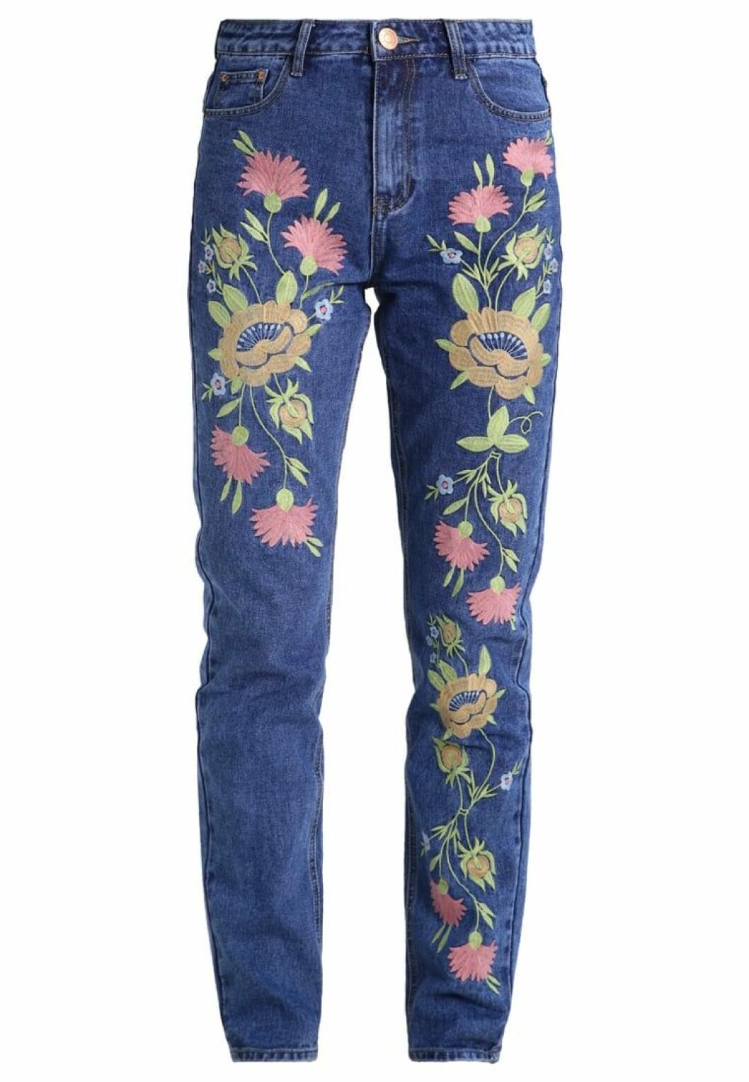mom jeans blommiga