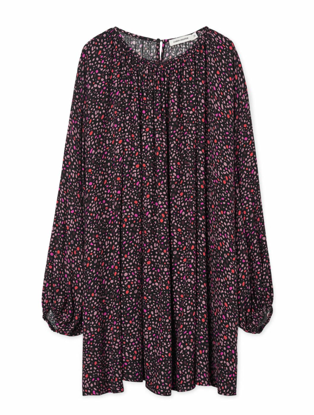 Mönstrad klänning till hösten 2019