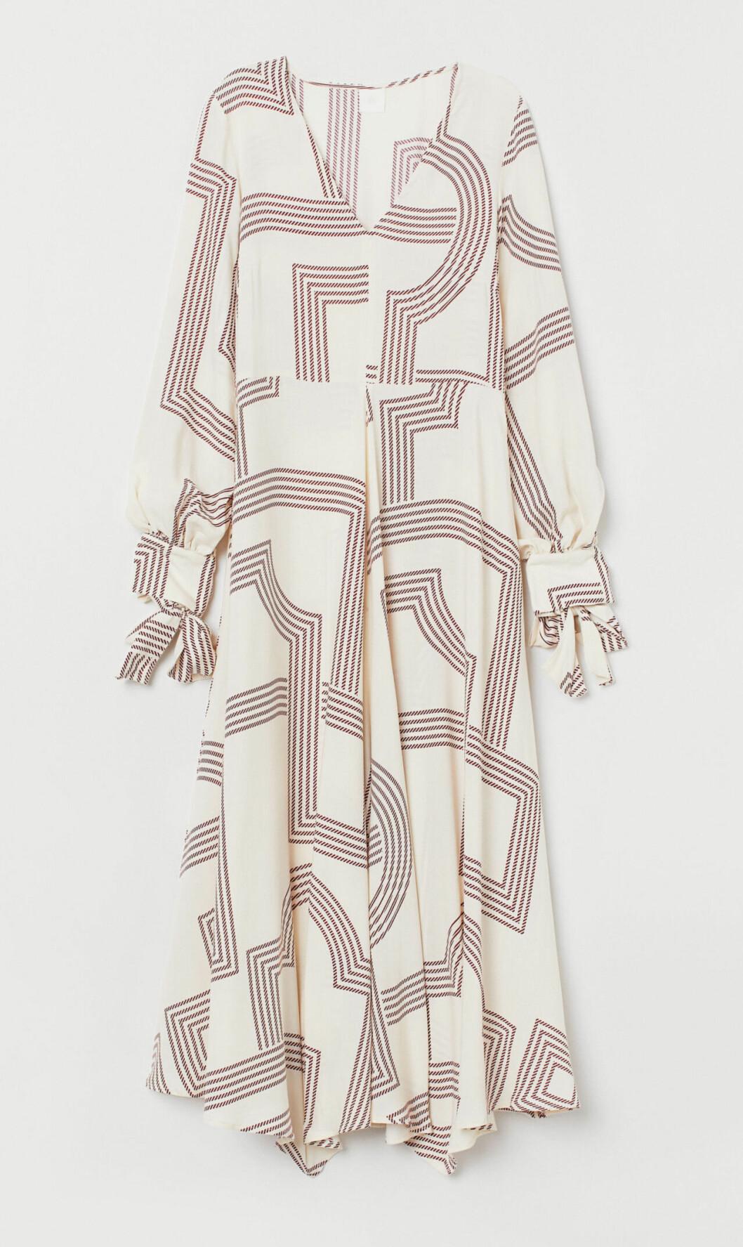 Mönstrad klänning för dam till hösten 2019