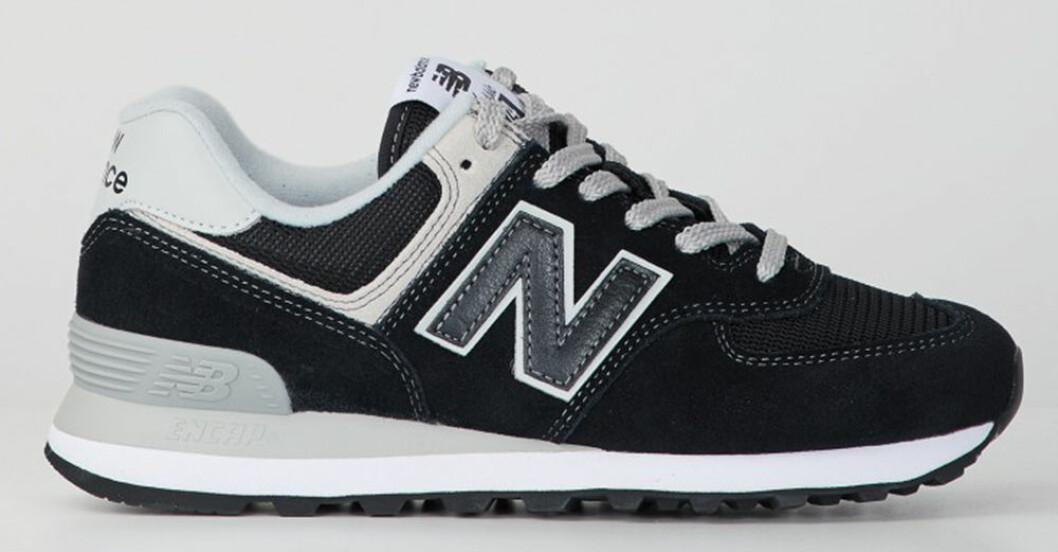 blå sneakers från new balance