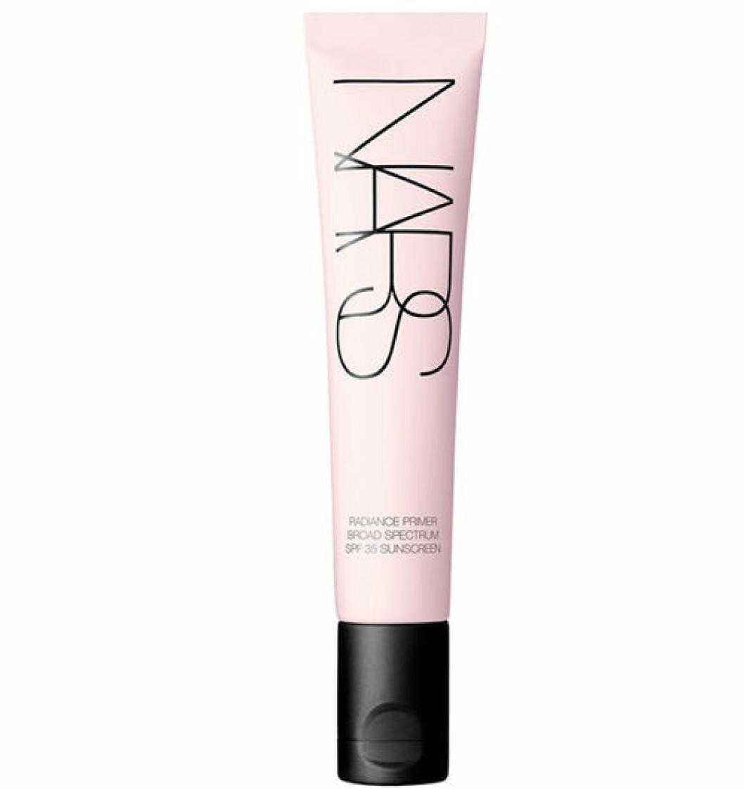 En bild på produkten NARS Radiance Primer SPF 35 30 ml som du kan köpa på Kicks.