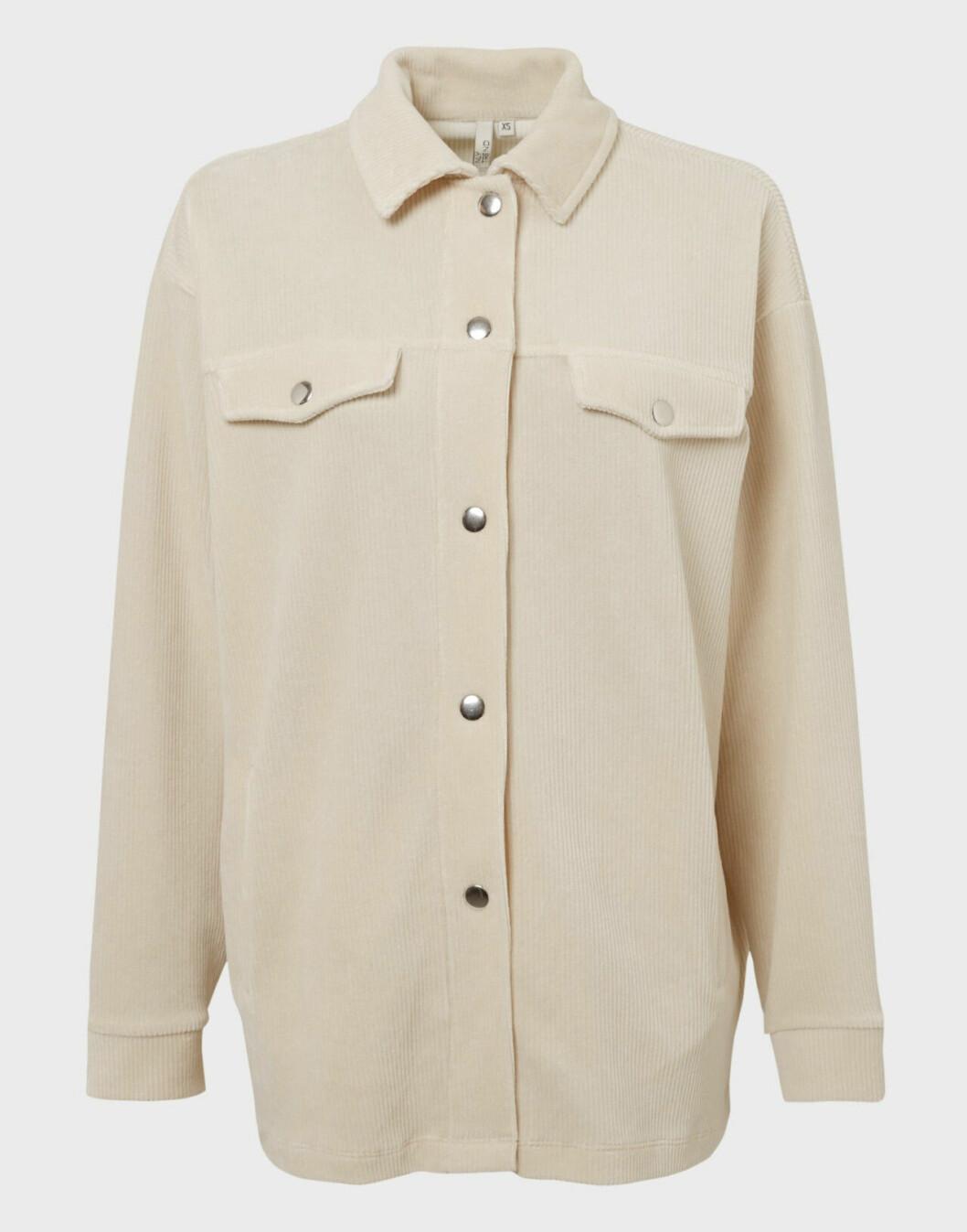 Ljusbeige skjortjacka från Nelly