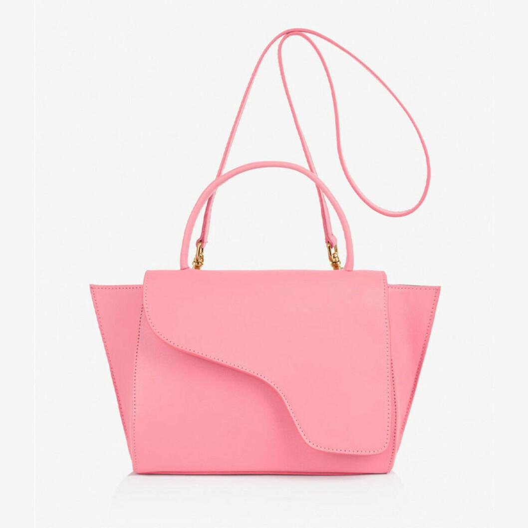 Neonrosa väska till våren 2019
