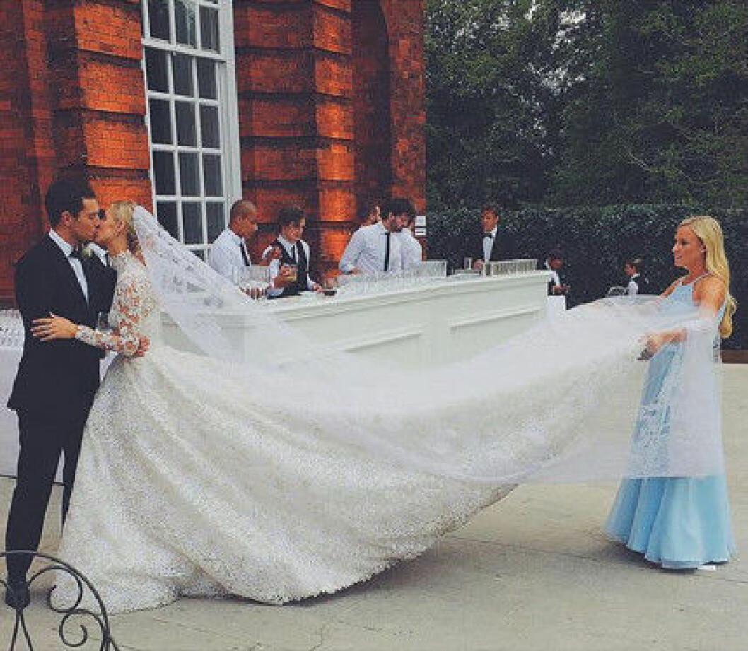 nicky hilton bröllopsklänning