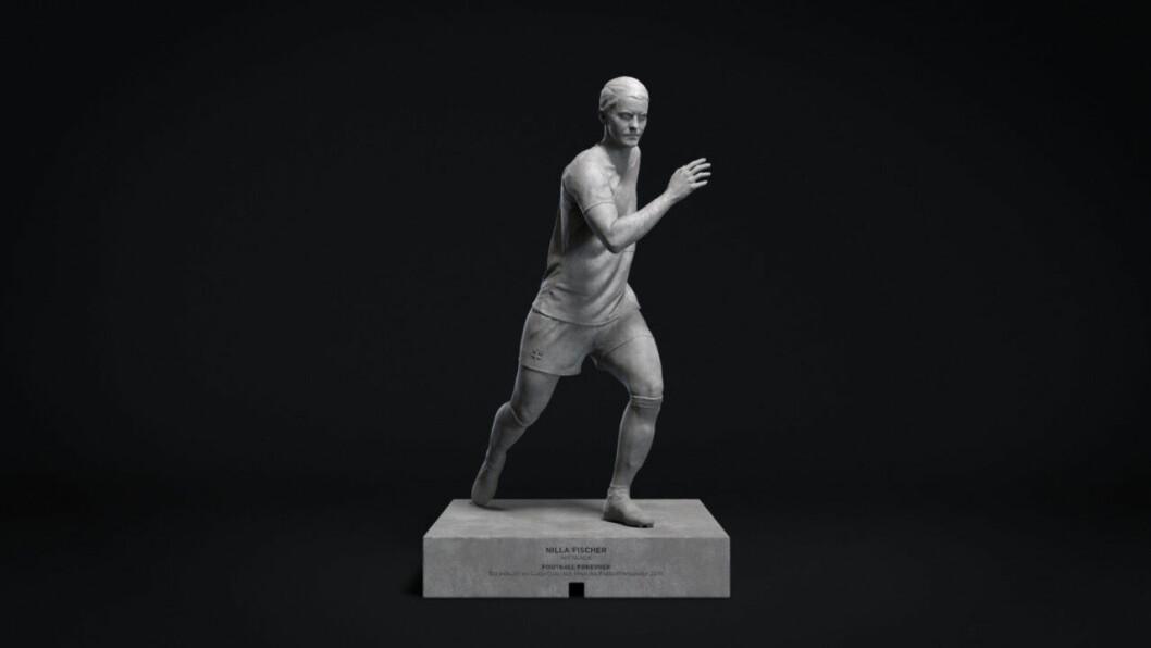 Nilla Fischer som staty