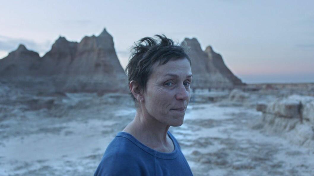 Frances McDormand i filmen Nomadland som finns att streama på Disney +.