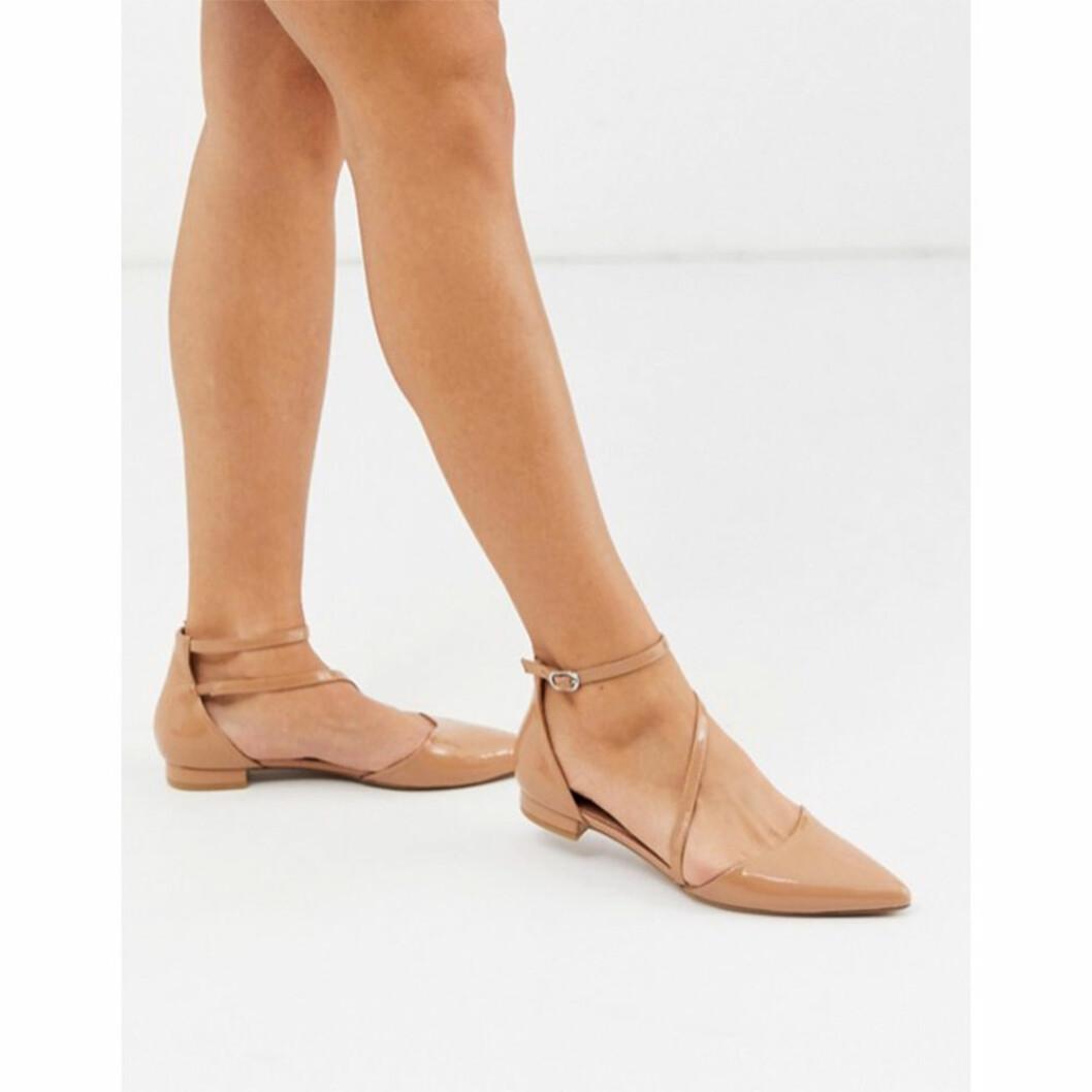 Nudefärgade beigea skor