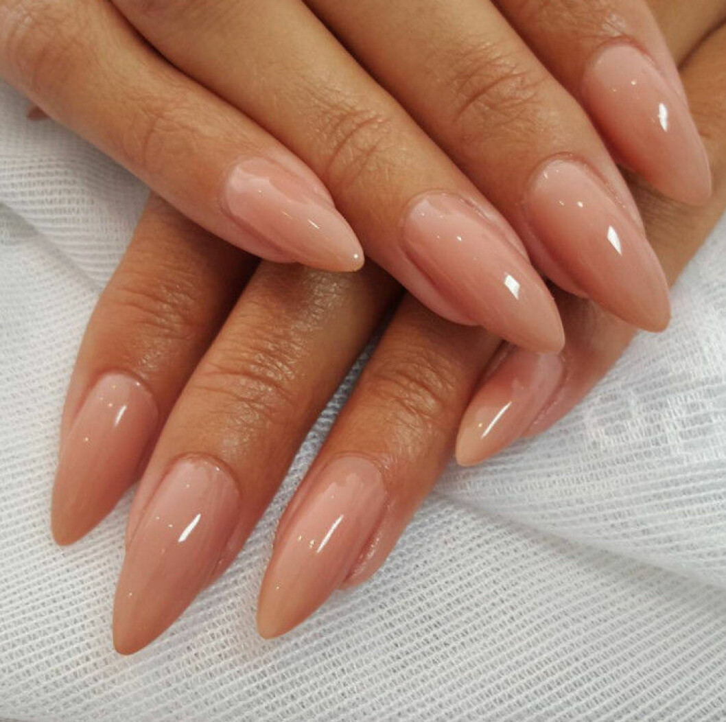 nude rosa naglar