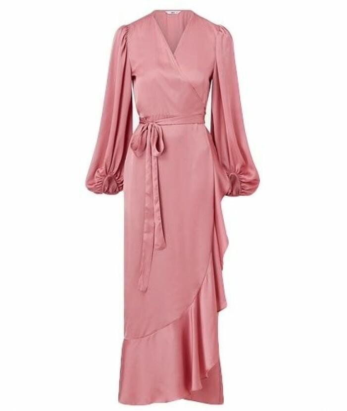 rosa långklänning med volangkjol