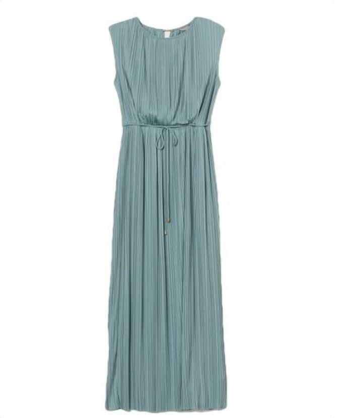 Plisserad balklänning från H&M