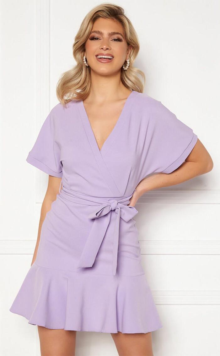 lila omlottklänning från trendyol