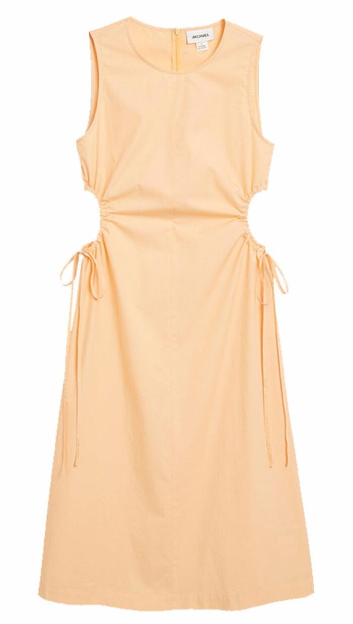 orange klänning med cutout